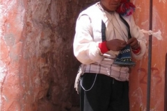 homme-qui-tricotte-taquile